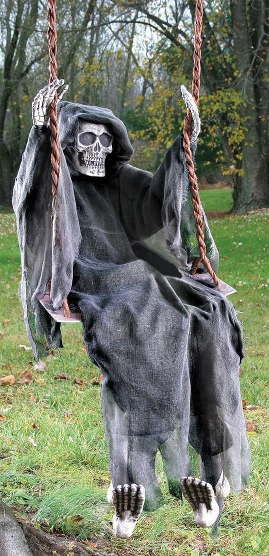 Amazing Halloween Outdoor Decorations Ideas 40
