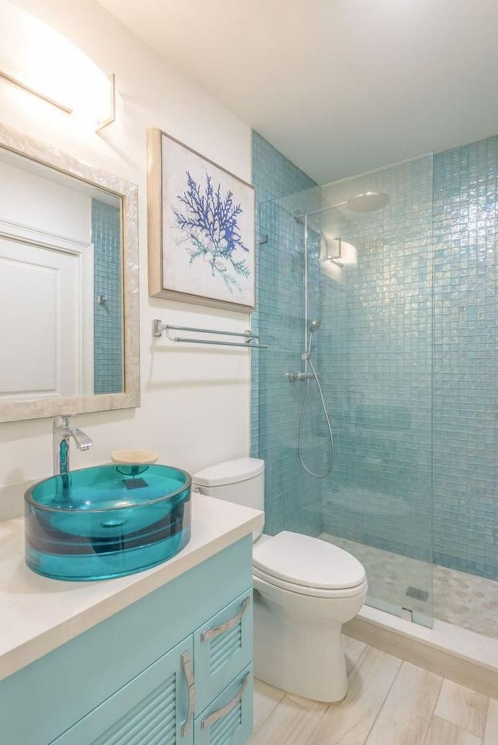 Awesome Coastal Style Bathroom Decorating Ideas 18