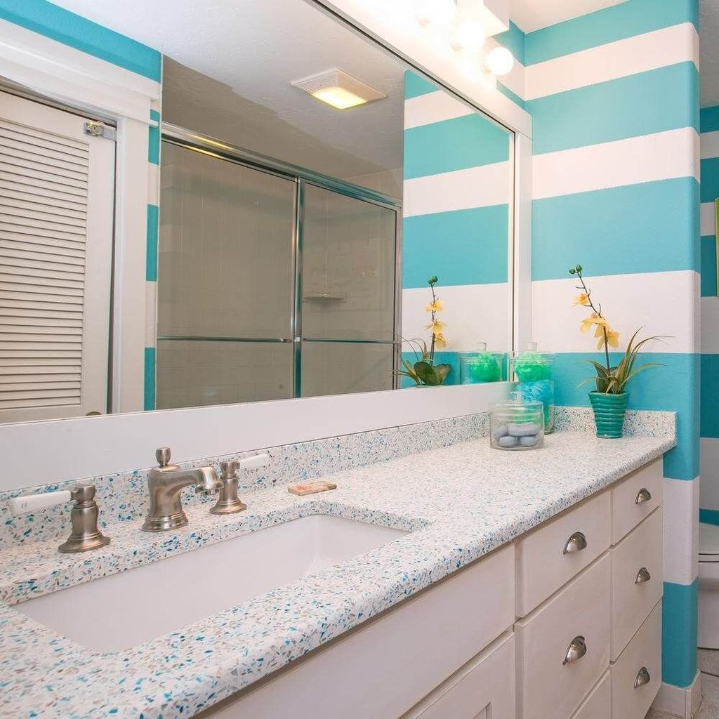 Awesome Coastal Style Bathroom Decorating Ideas 32