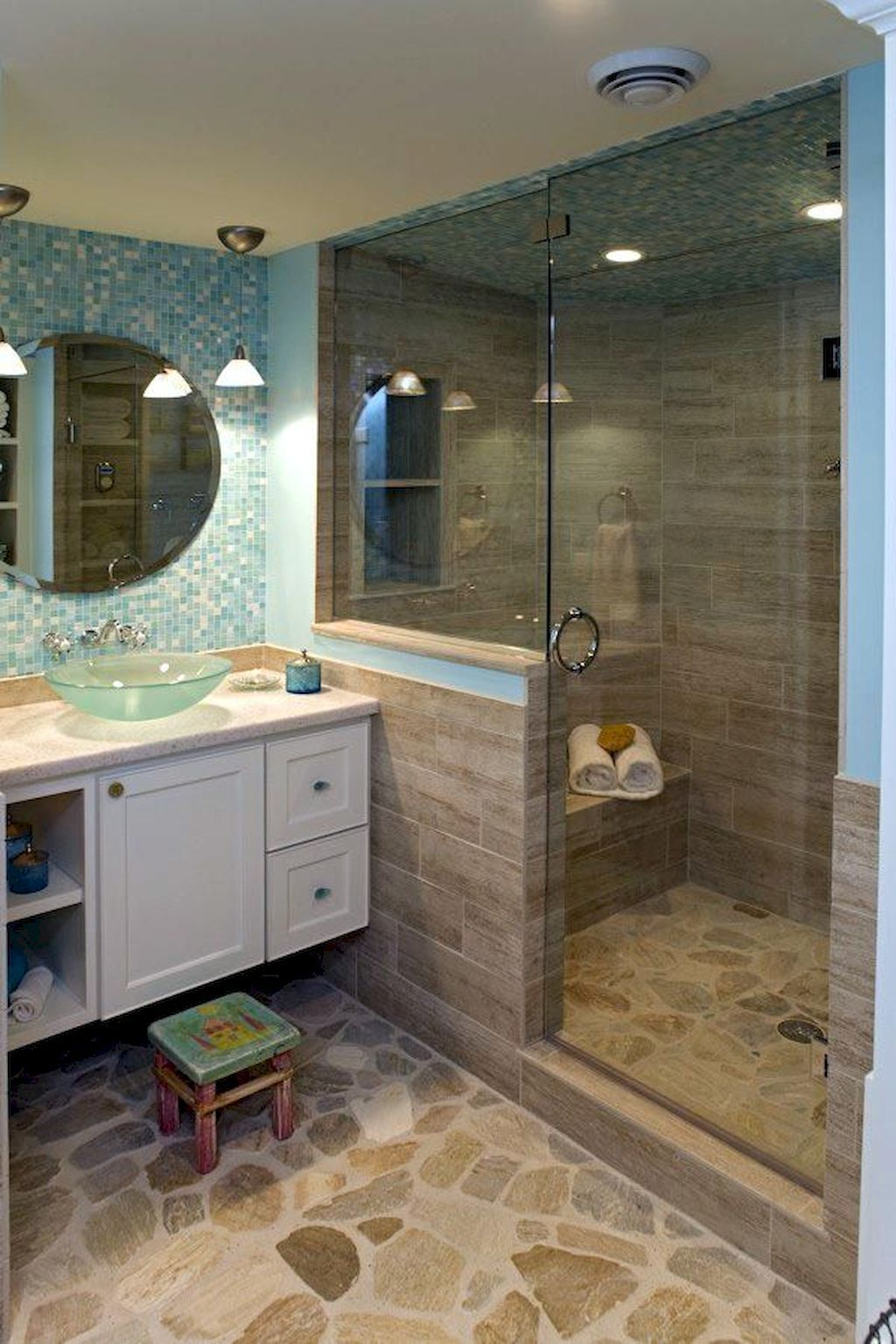 Awesome Coastal Style Bathroom Decorating Ideas 34