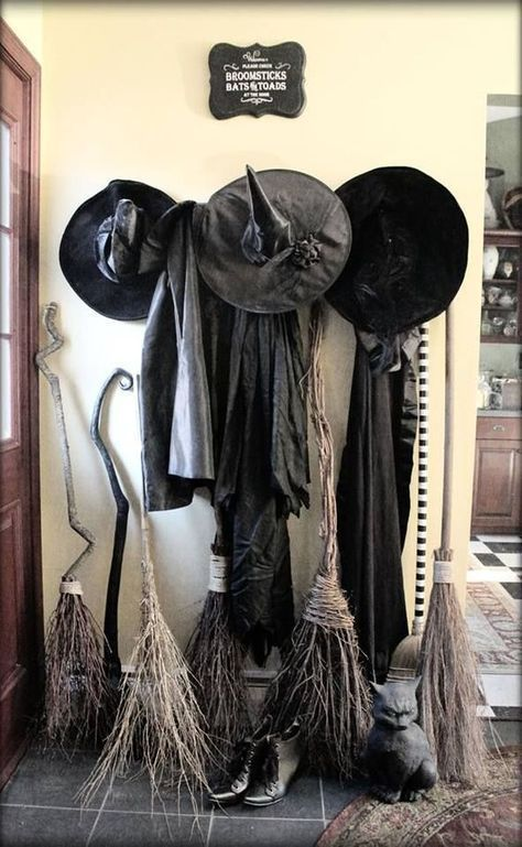Awesome Spooky Halloweeen Home Decoration Ideas 16
