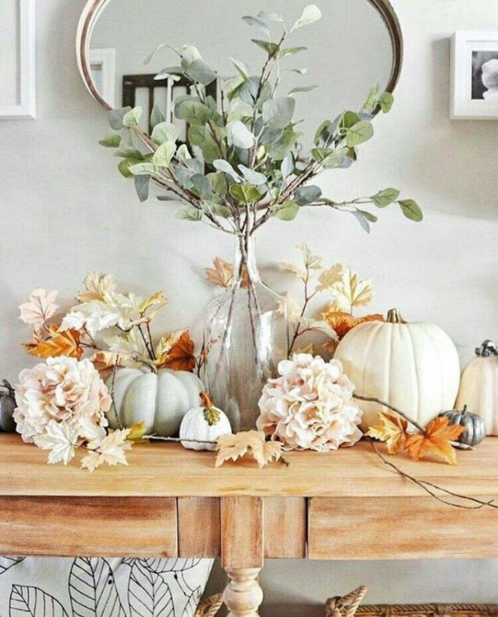 Beautiful Fall Entryway Decor Ideas 02