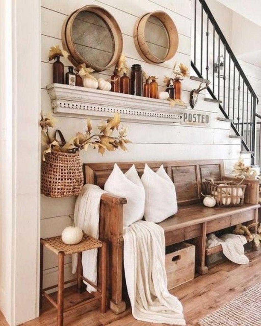Beautiful Fall Entryway Decor Ideas 19