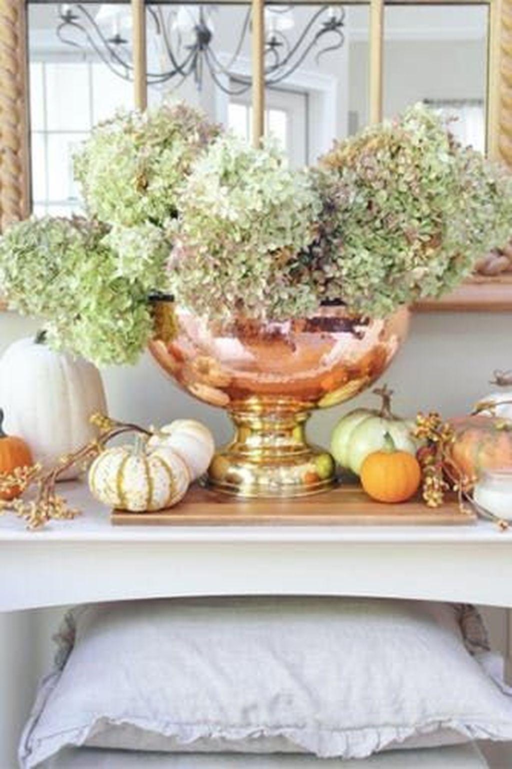 Beautiful Fall Entryway Decor Ideas 24