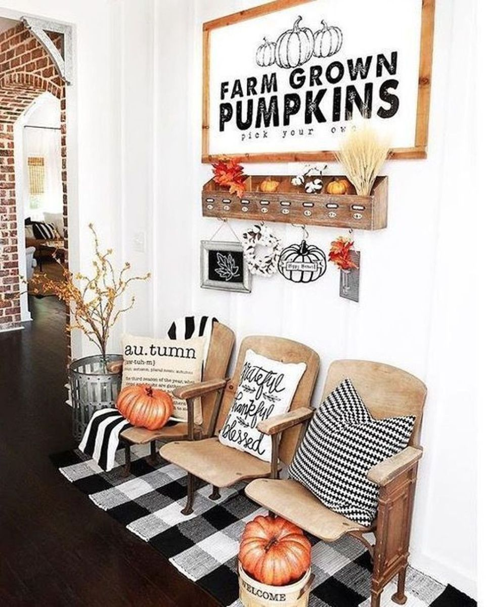 Beautiful Fall Entryway Decor Ideas 35