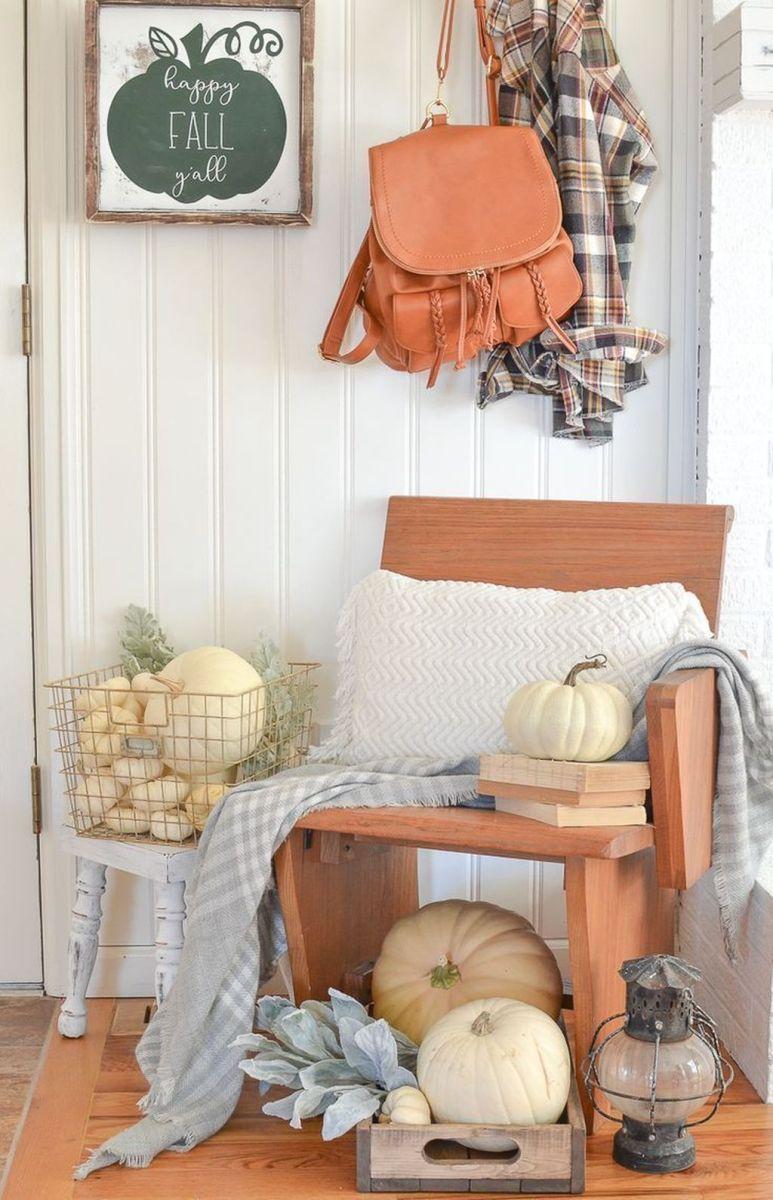 Beautiful Fall Entryway Decor Ideas 36