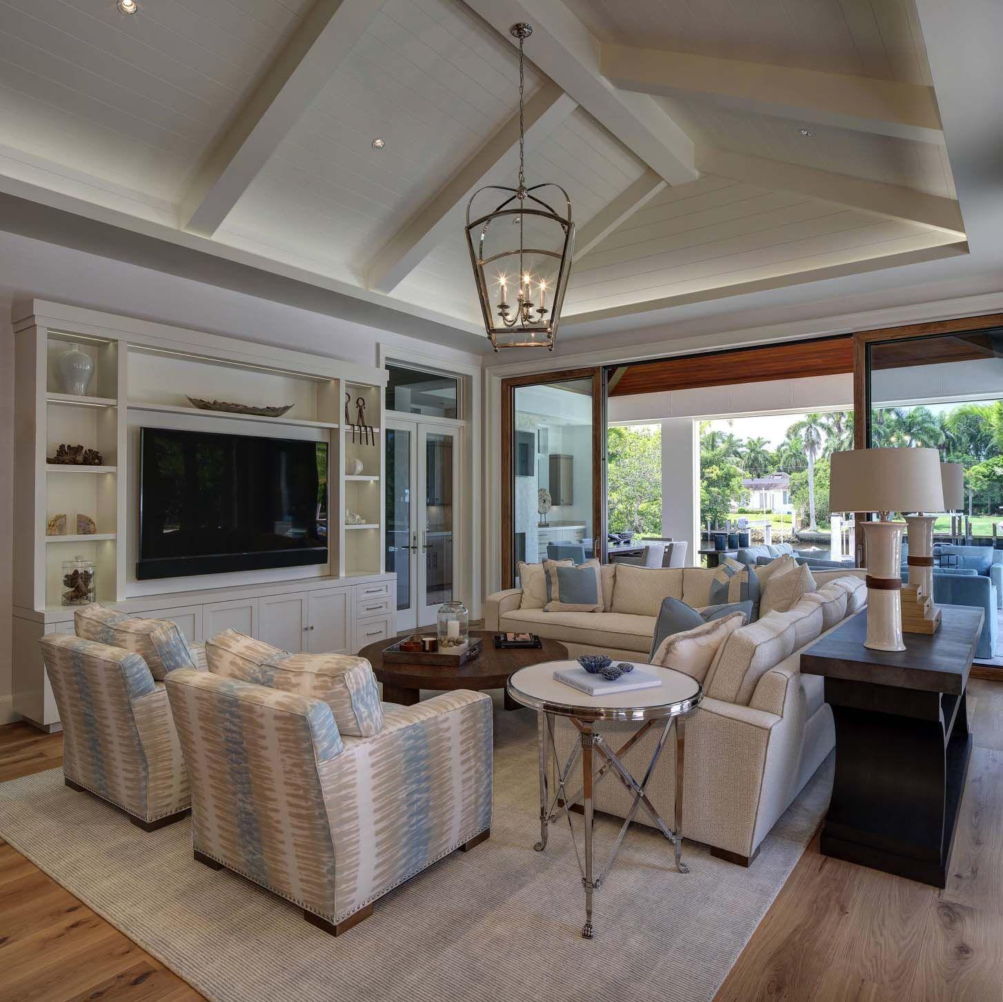 Beautiful Family Room Design Ideas 05