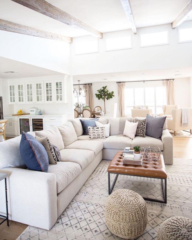 Beautiful Family Room Design Ideas 06