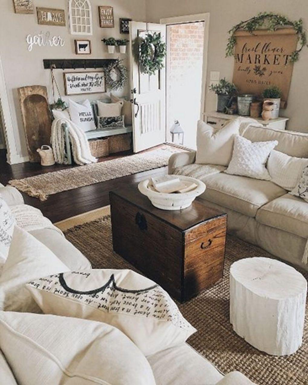 Beautiful Family Room Design Ideas 38
