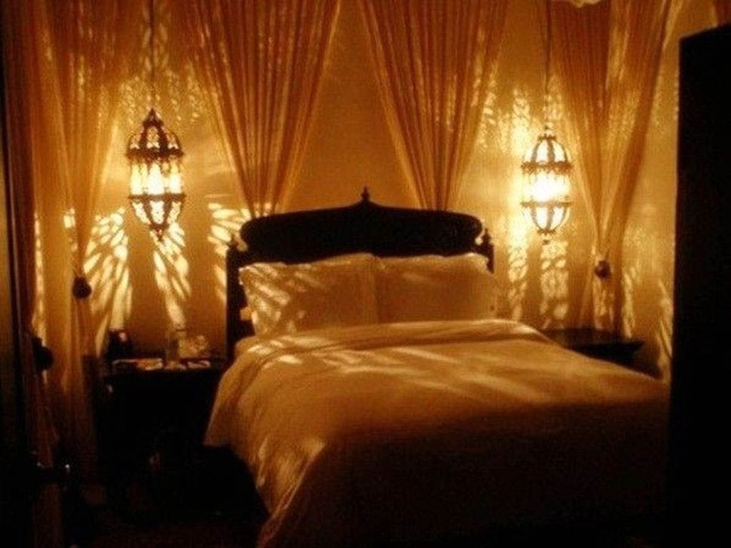 Beautiful Romantic Bedroom Lighting Ideas 31