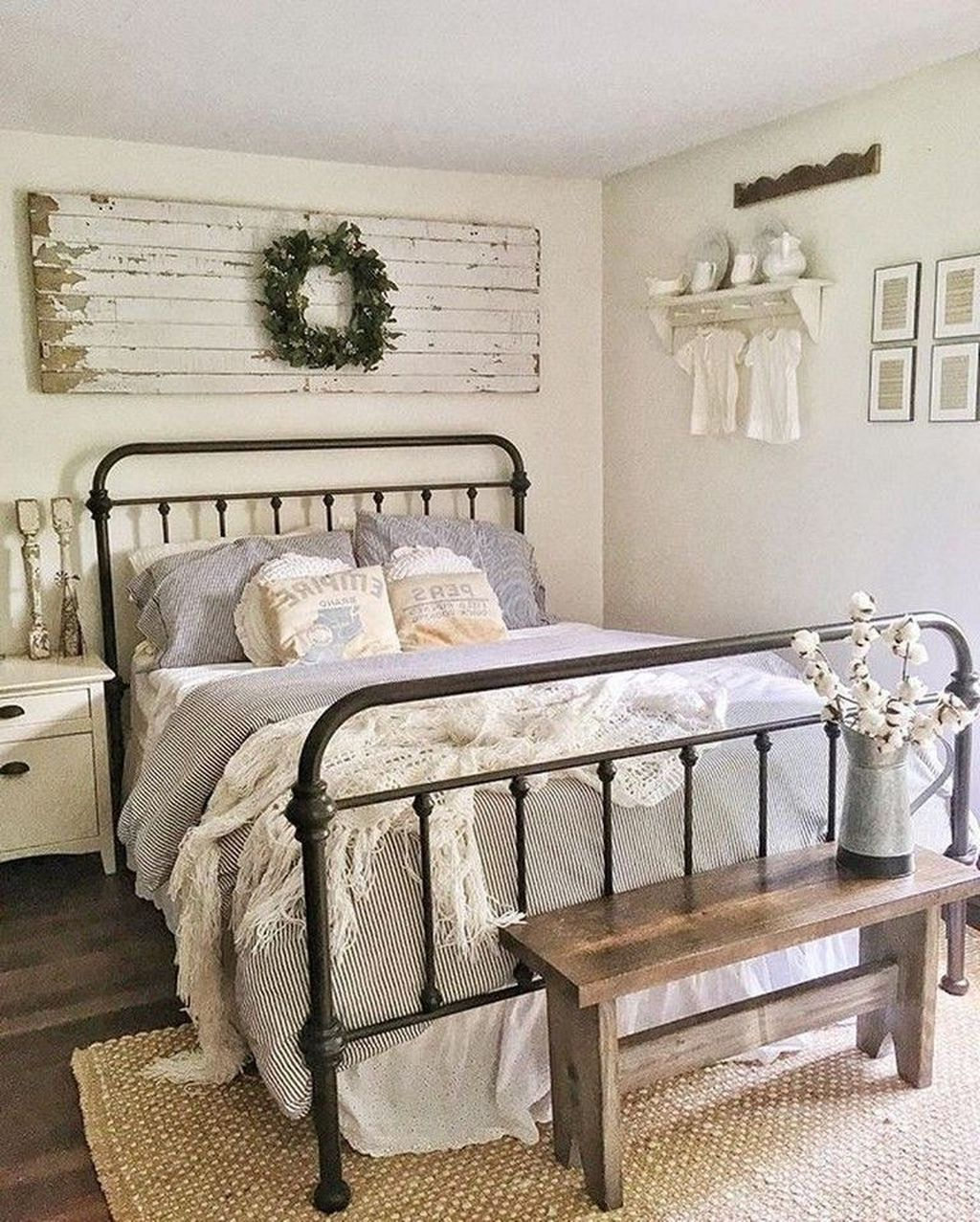 Fabulous Country Bedrooms Decorating Ideas 35