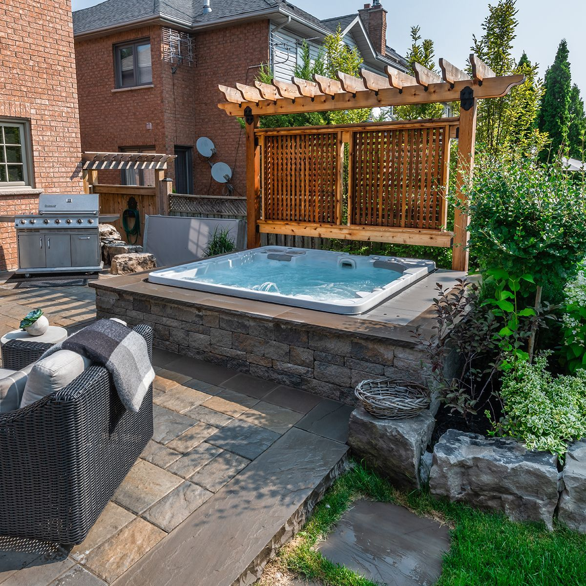 Inspiring Hot Tub Patio Design Ideas For Your Outdoor Decor 25