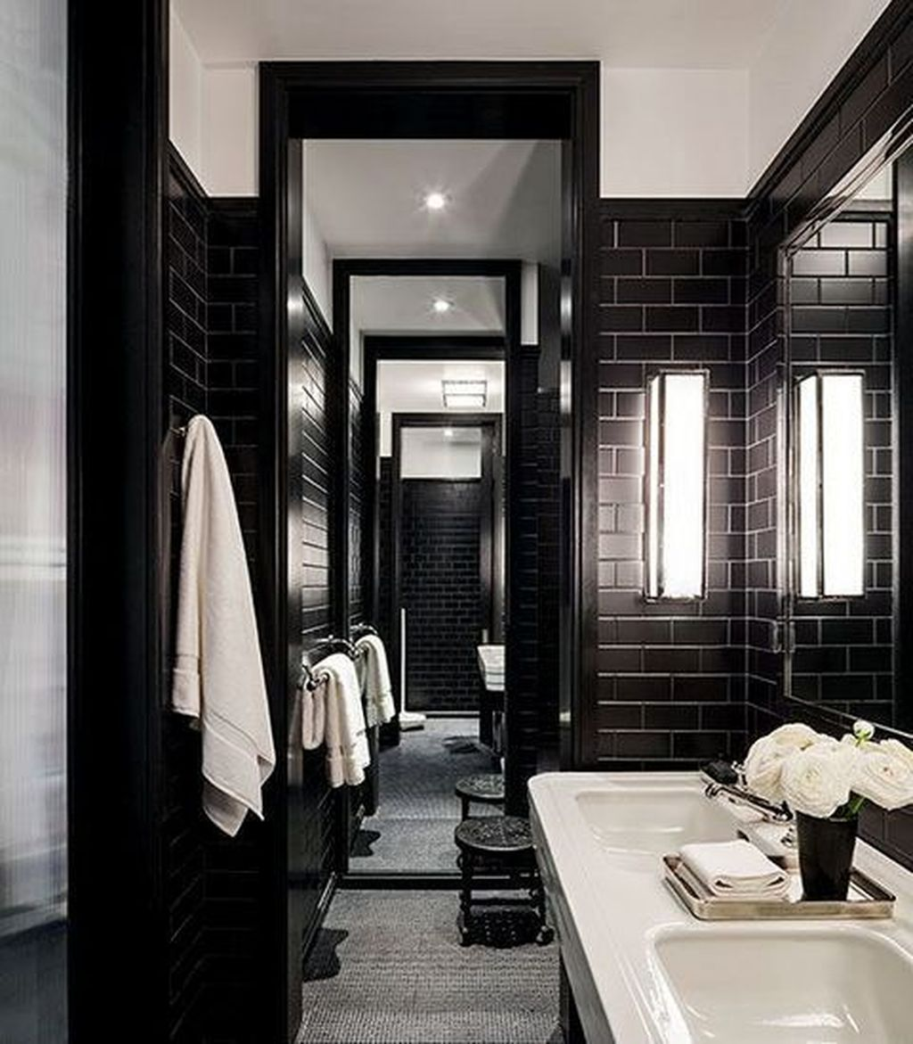 Lovely Classic Bathroom Design Ideas 25