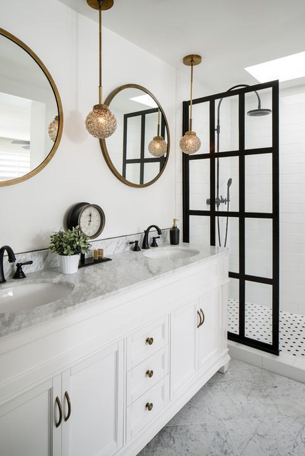 Lovely Classic Bathroom Design Ideas 30