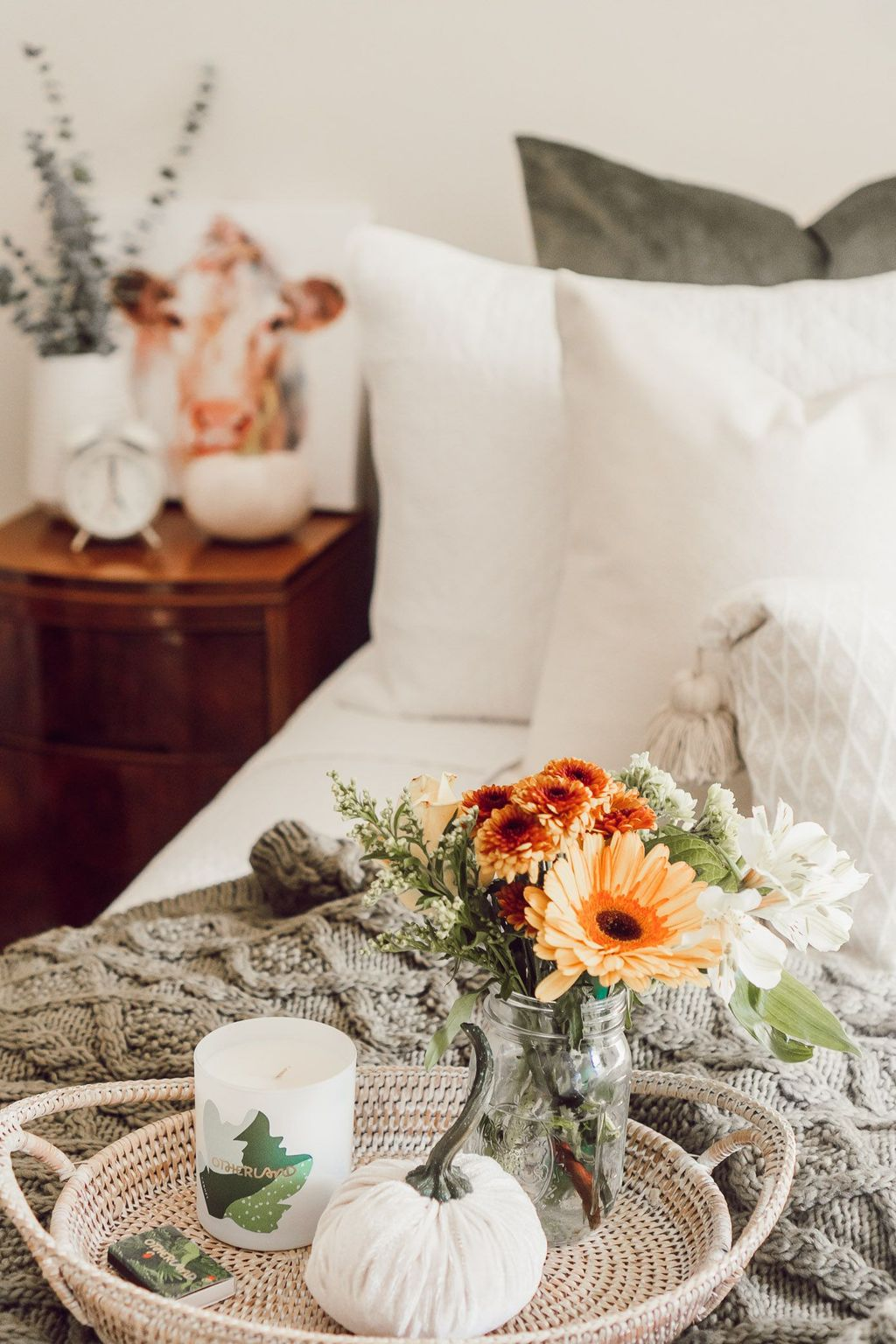 Lovely Fall Bedroom Decor Ideas That Will Popular This Year 21