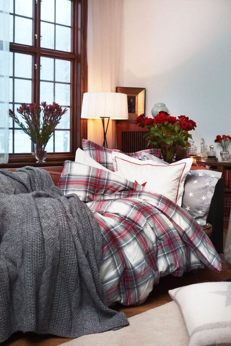 Lovely Fall Bedroom Decor Ideas That Will Popular This Year 31