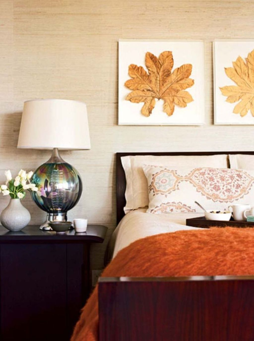 Lovely Fall Bedroom Decor Ideas That Will Popular This Year 33