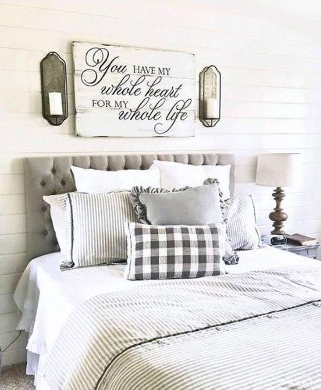 Lovely Lake Bedroom Decorating Ideas 21