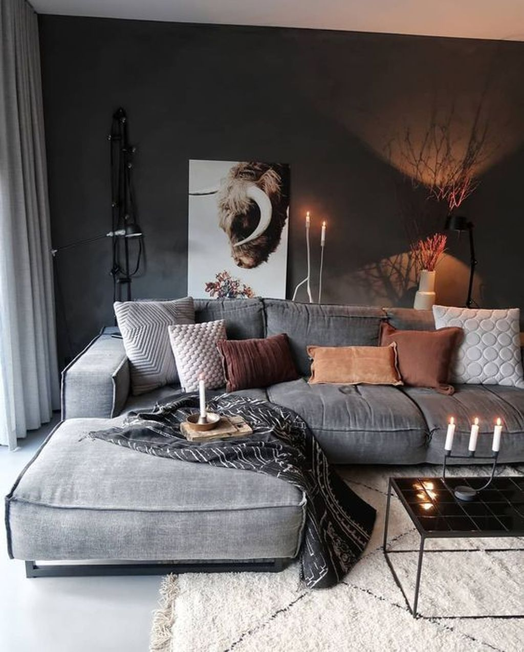 Luxury Living Room Design Ideas With Modern Accent 22