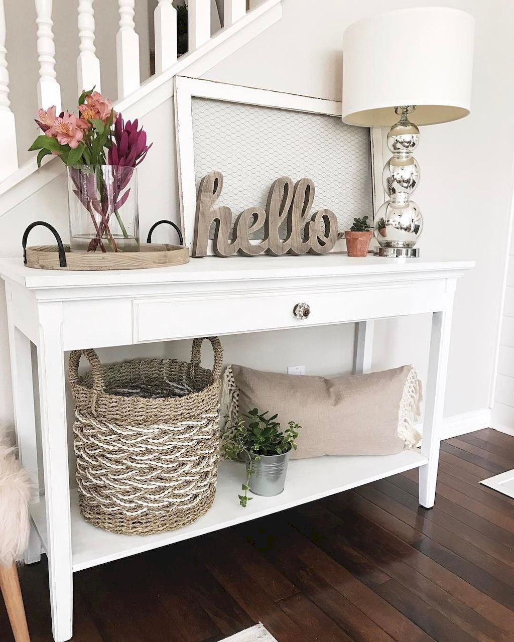 Perfect Entryway Decor Ideas 26