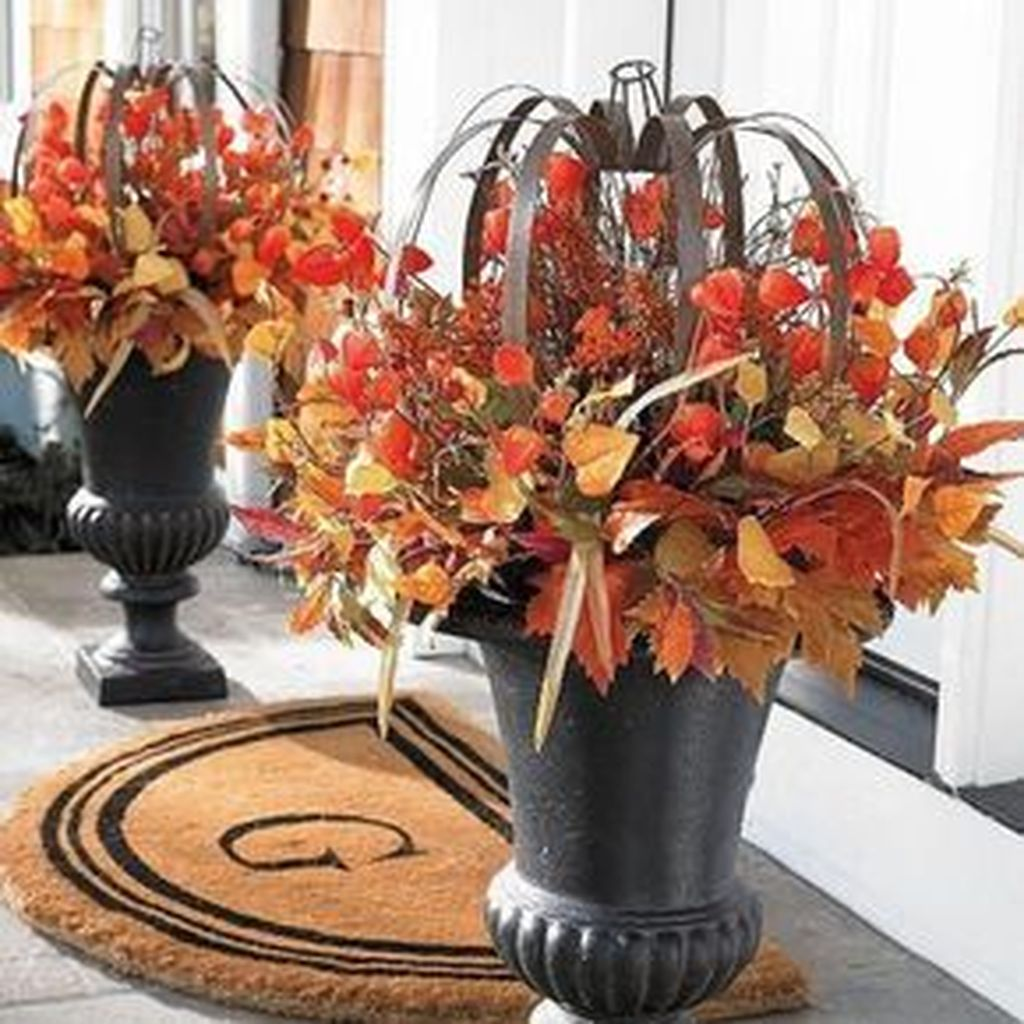 Simple Fall Porch Decorating Ideas 02