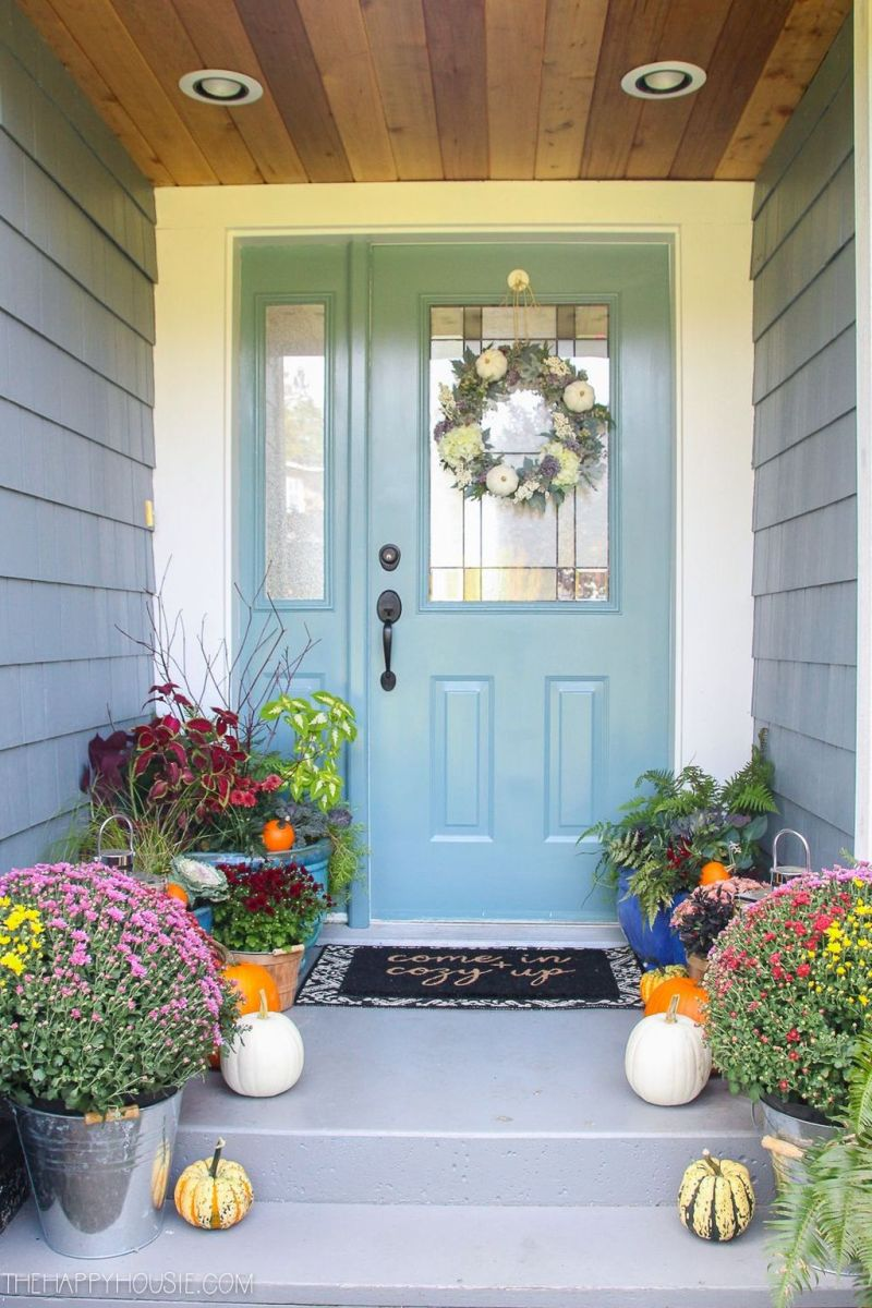 Simple Fall Porch Decorating Ideas 21