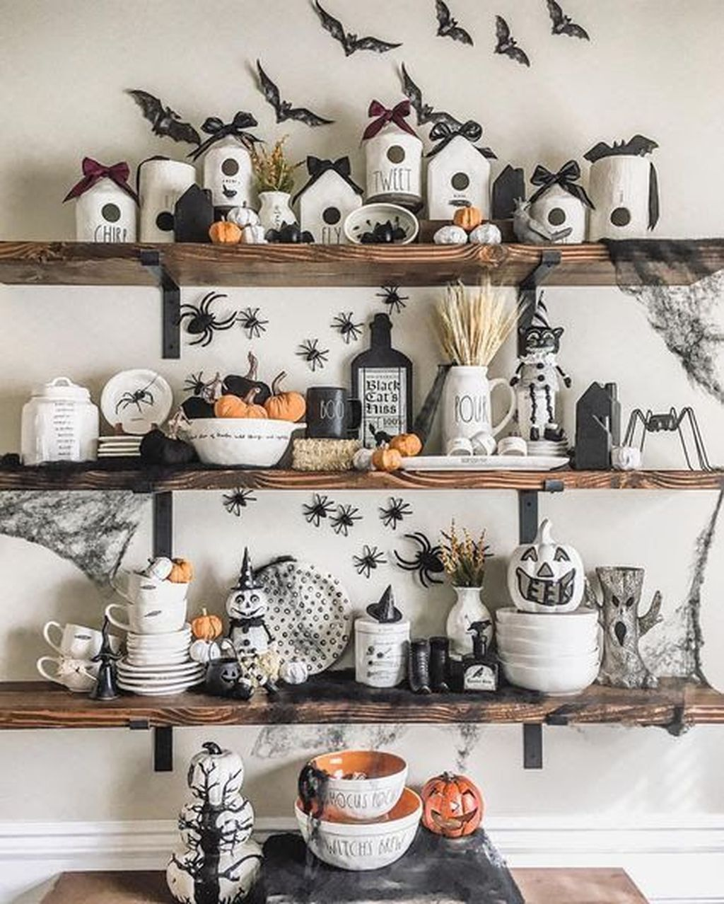 Stunning Halloween Kitchen Decor Ideas 03