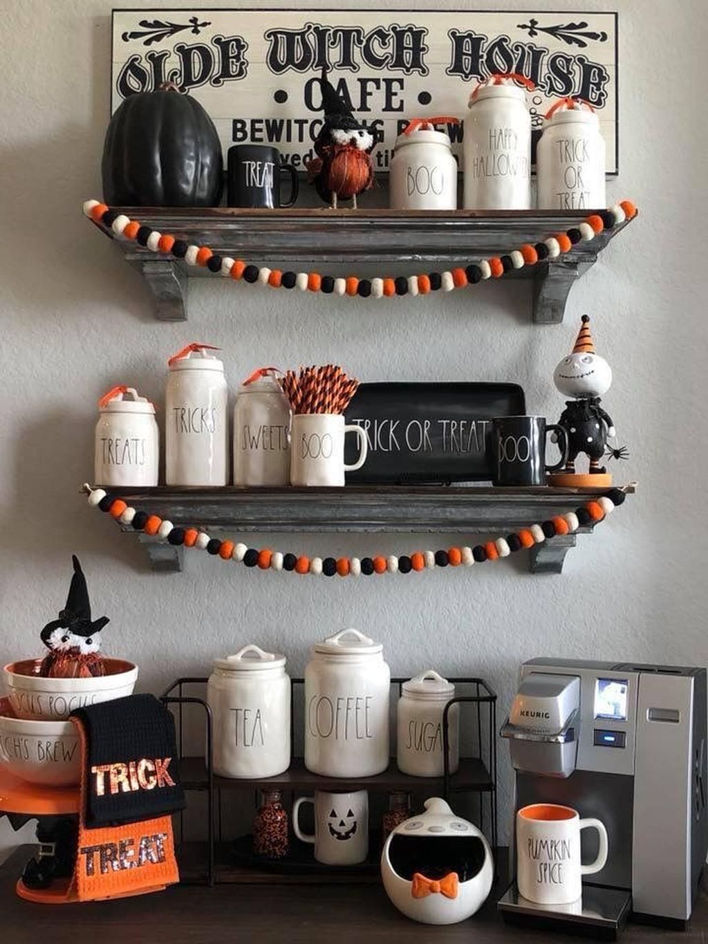 Stunning Halloween Kitchen Decor Ideas 04