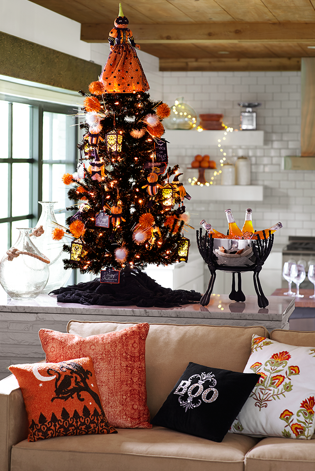 Stunning Halloween Kitchen Decor Ideas 19