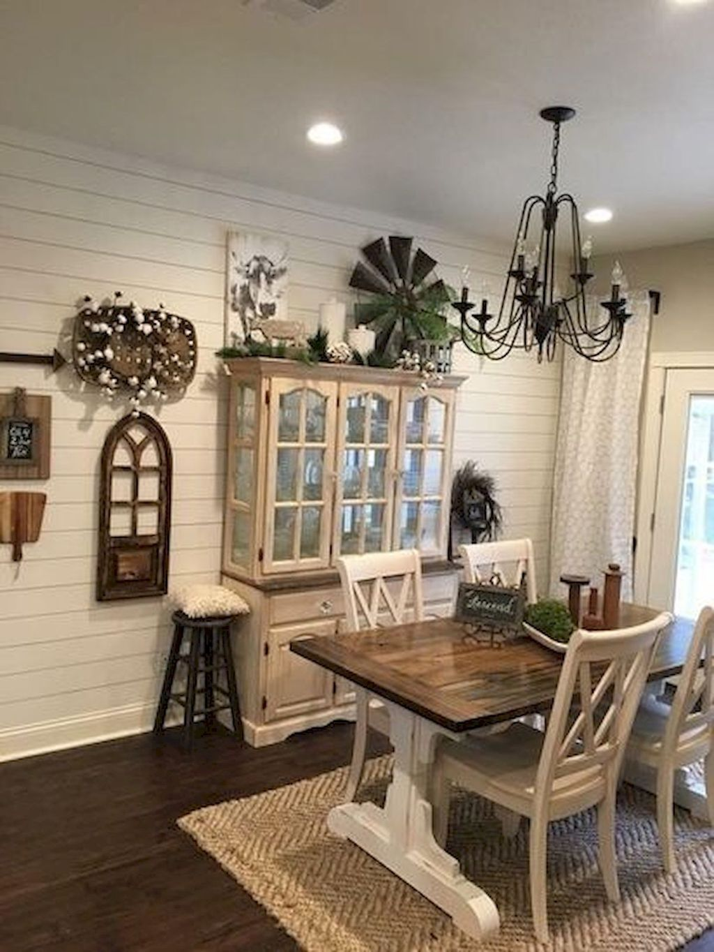 The Best Rustic Dining Room Decoration Ideas 15