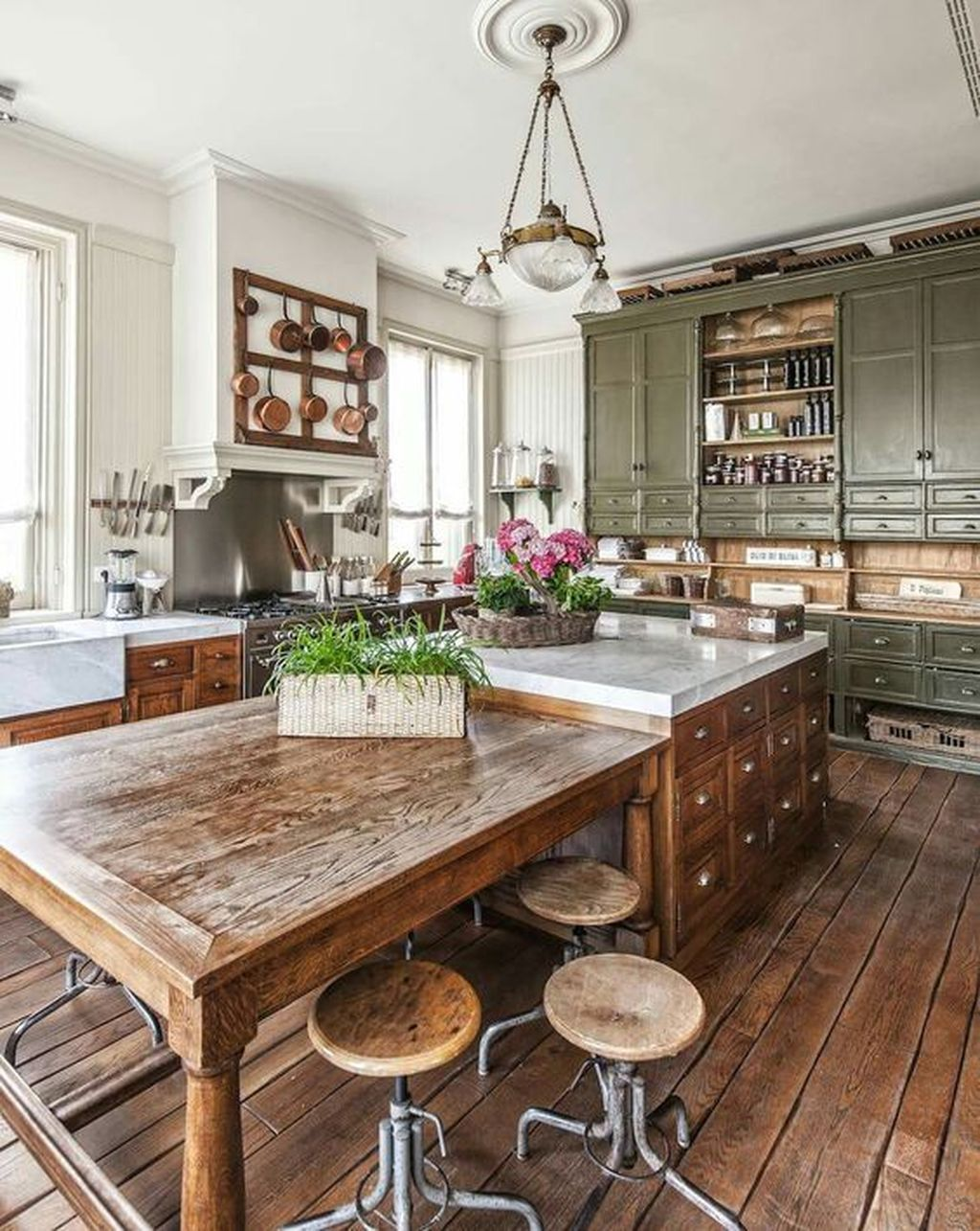 Awesome Cottage Kitchens Design Ideas 13