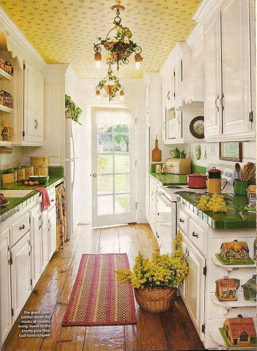 Awesome Cottage Kitchens Design Ideas 21