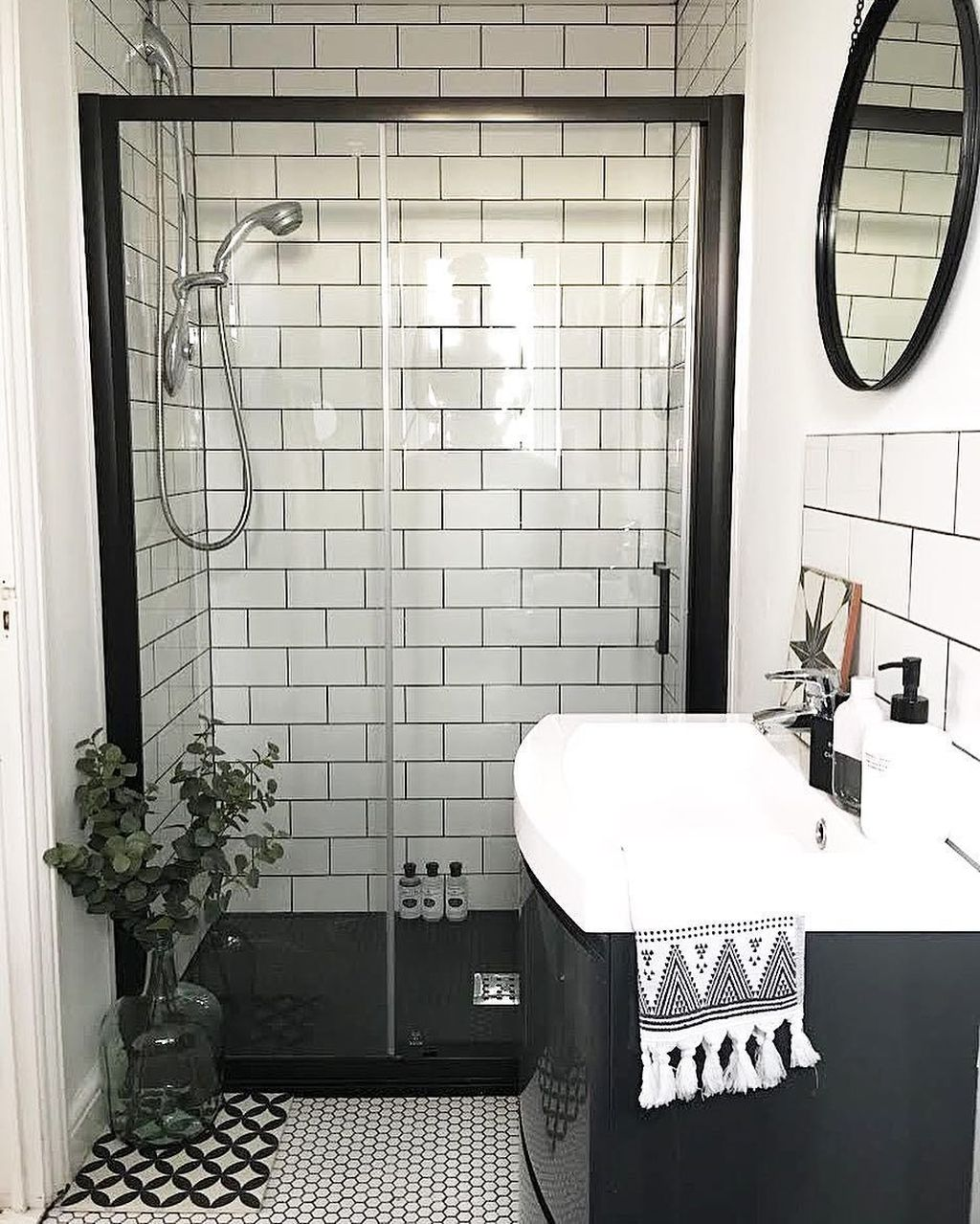 Awesome Small Bathroom Remodel Ideas On A Budget 33