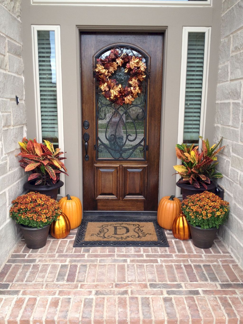 Awesome Thanksgiving Front Door Decor Ideas 06