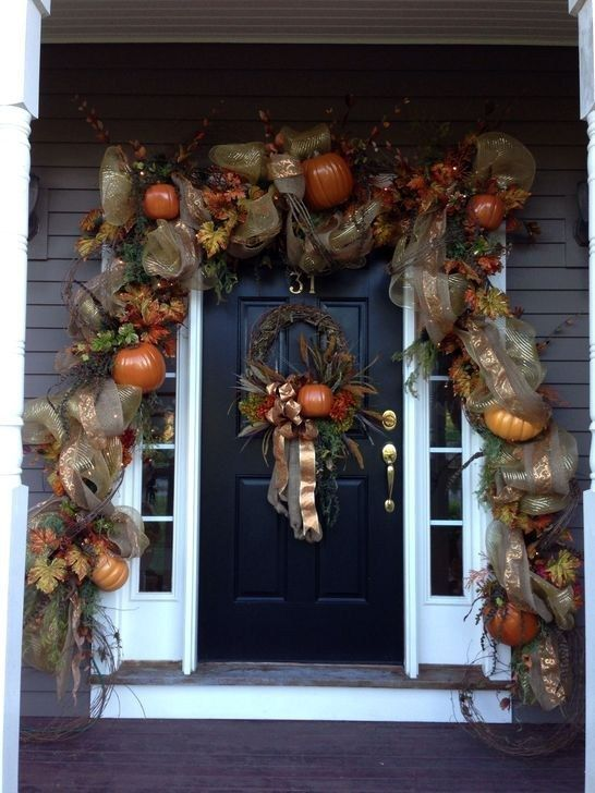 Awesome Thanksgiving Front Door Decor Ideas 07