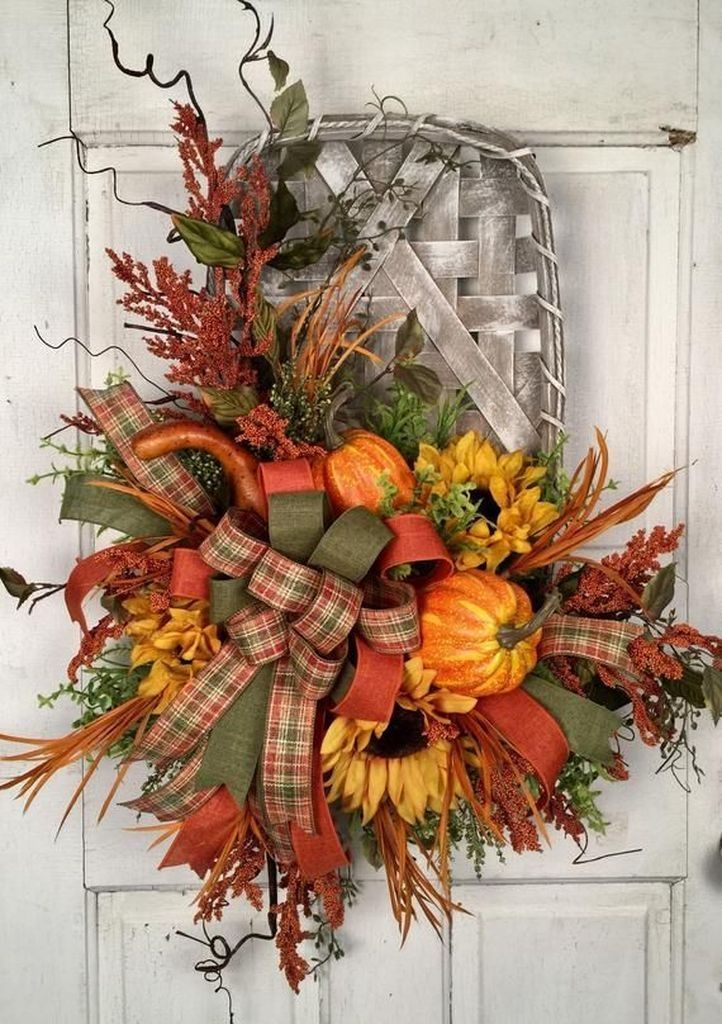 Awesome Thanksgiving Front Door Decor Ideas 17
