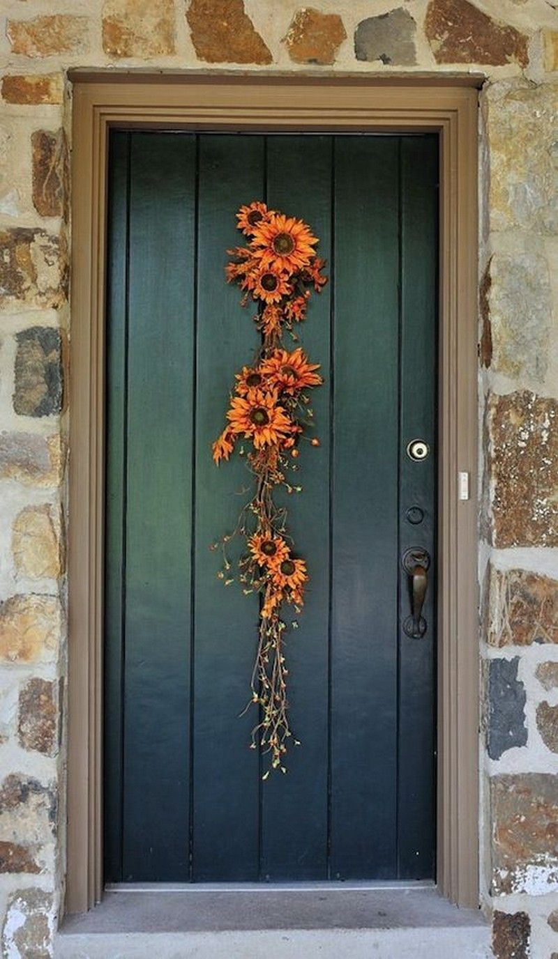 Awesome Thanksgiving Front Door Decor Ideas 32