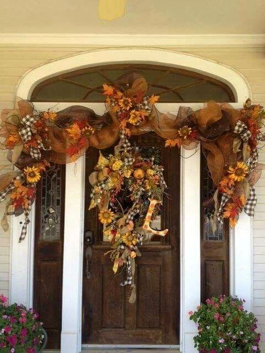 Awesome Thanksgiving Front Door Decor Ideas 33
