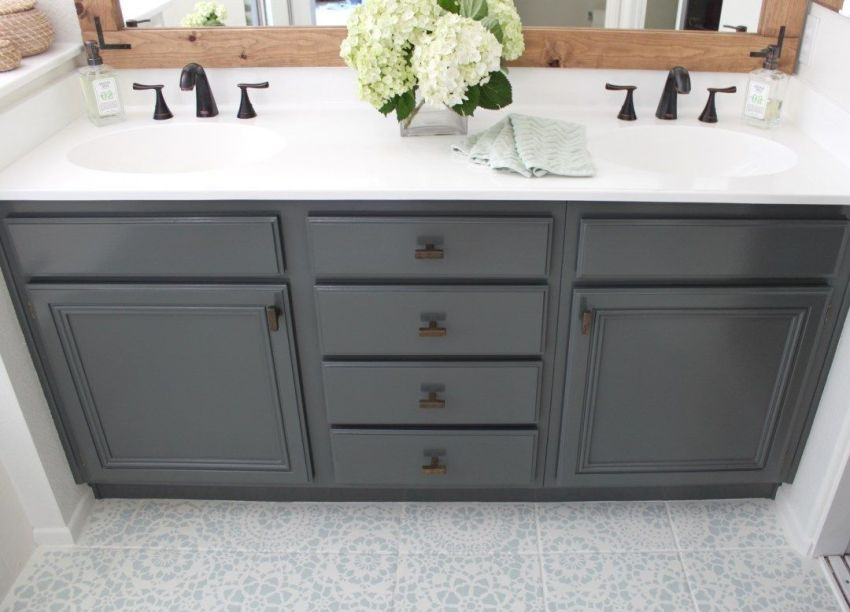 Fabulous Bathroom Cabinets Design Ideas 31