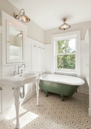 Gorgeous Traditional Bathroom Design Ideas 34