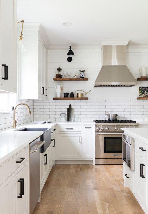Inspiring White Kitchen Design Ideas With Luxury Accent 06