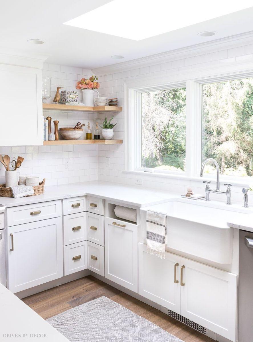 Inspiring White Kitchen Design Ideas With Luxury Accent 27