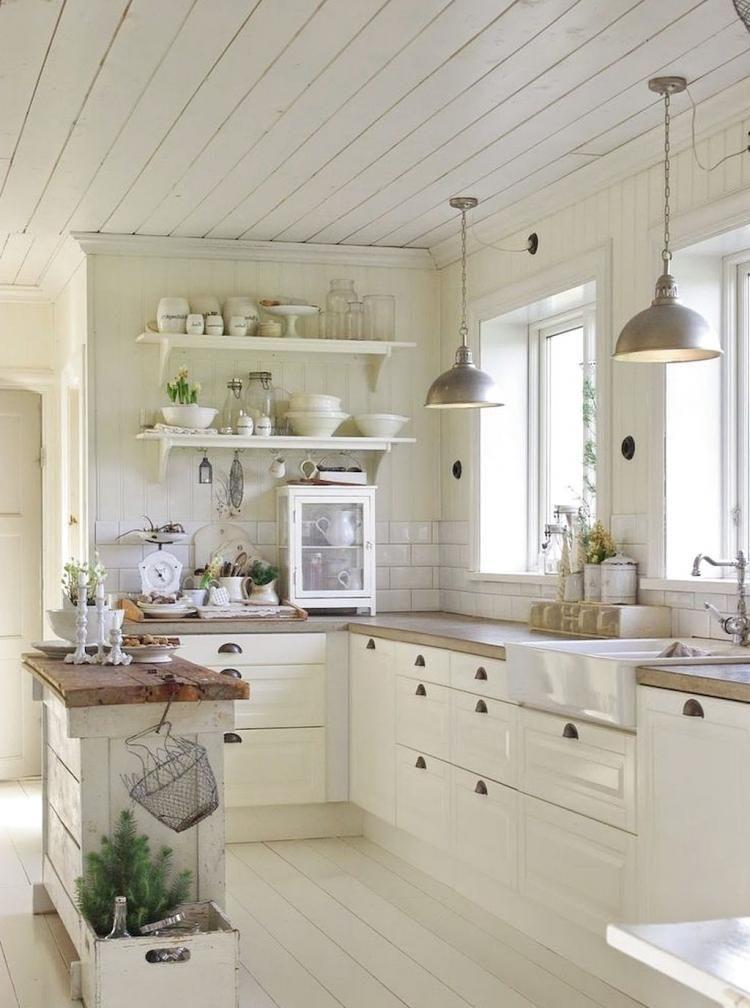Inspiring White Kitchen Design Ideas With Luxury Accent 31