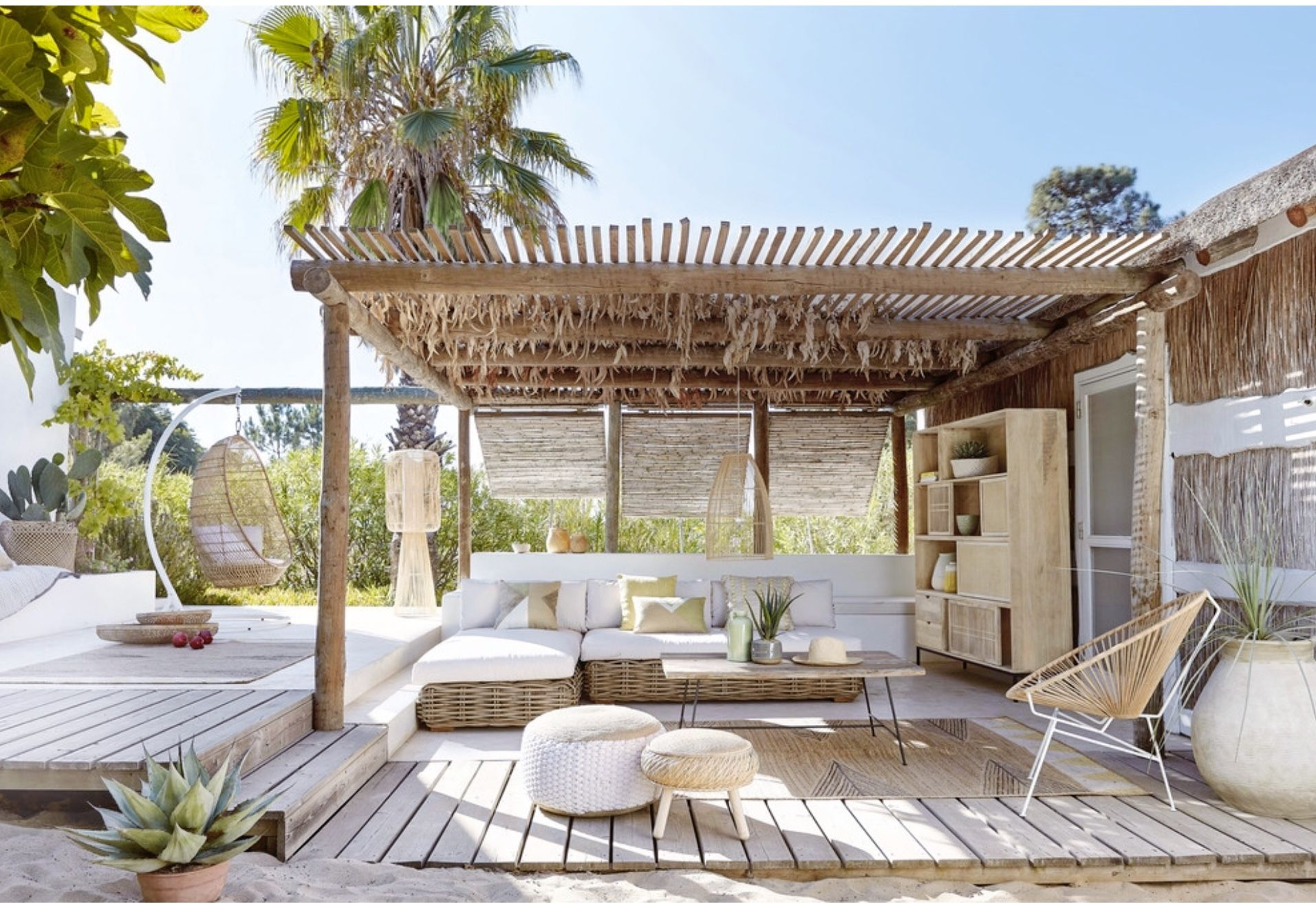 Lovely Bohemian Style Ideas For Your Outdoor Design 18