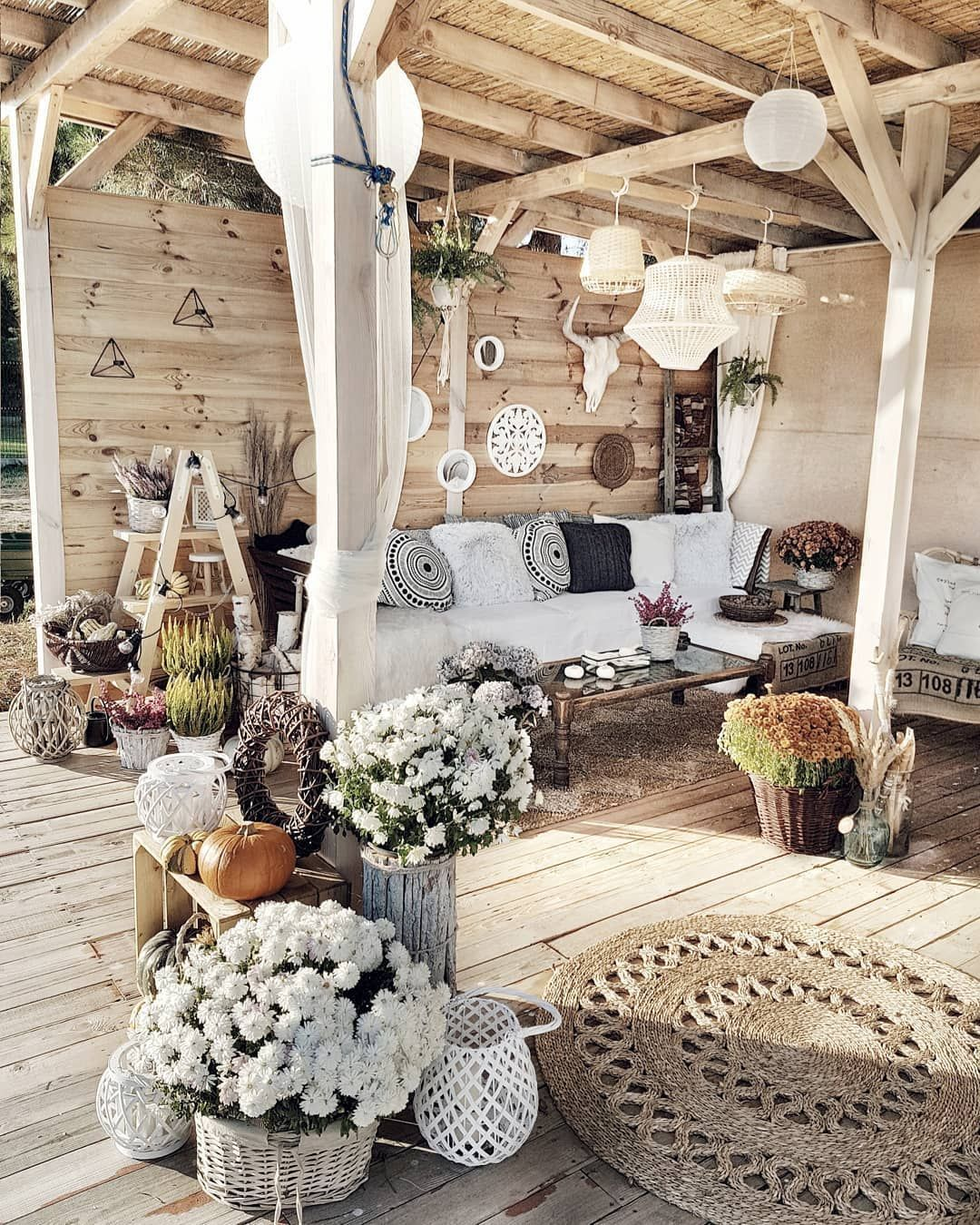 Lovely Bohemian Style Ideas For Your Outdoor Design 27
