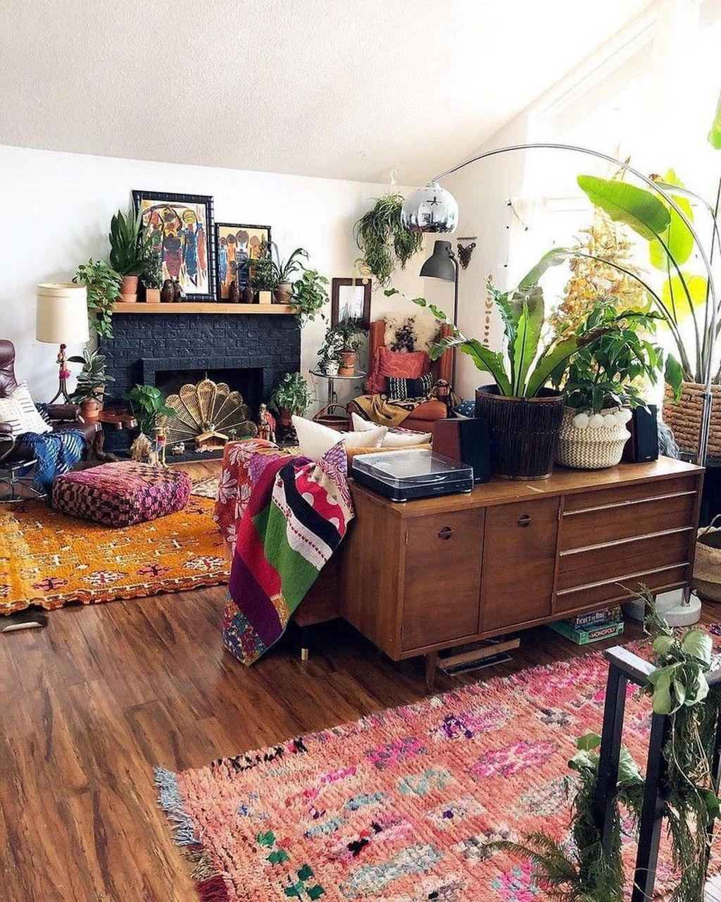 Lovely Living Room Decoration Ideas With Bohemian Style 14