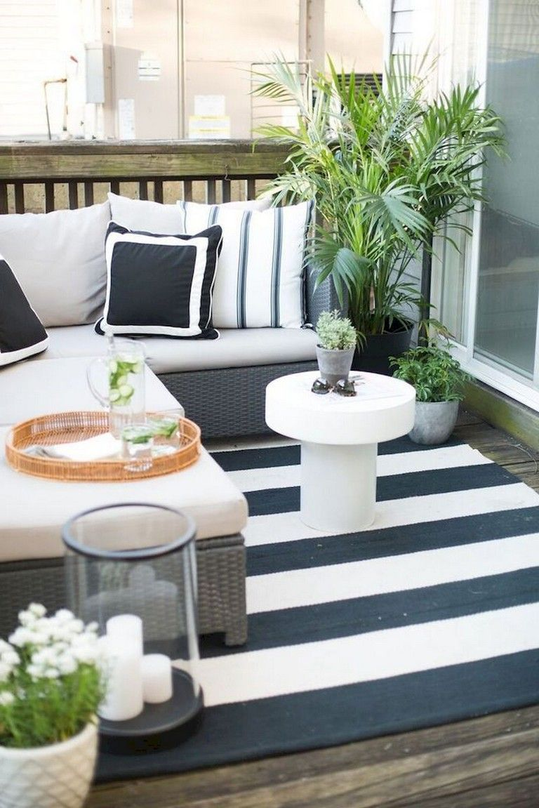 Lovely Small Porch Apartment Balconies Ideas 34