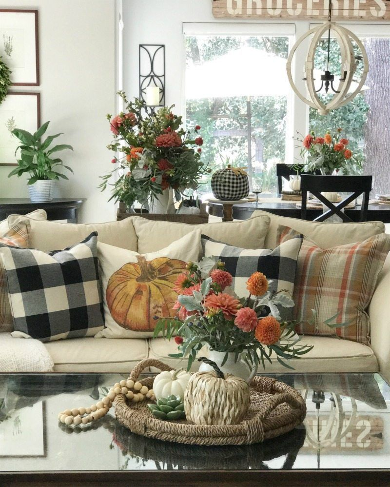 The Best Thanksgiving Living Room Decor Ideas 33