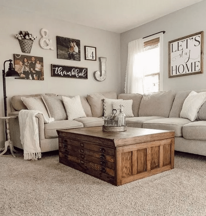 Beautiful Living Room Wall Gallery Decorating Ideas 20