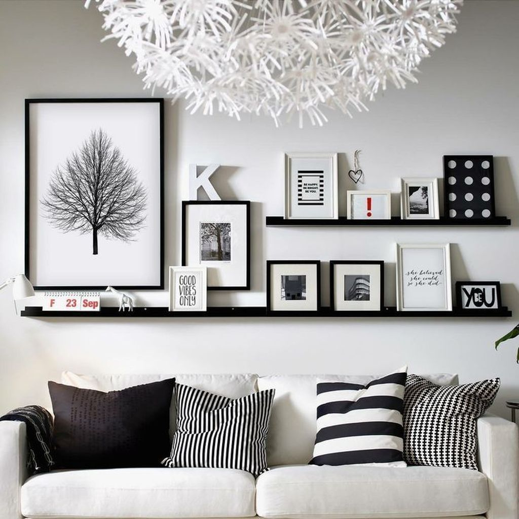 Beautiful Living Room Wall Gallery Decorating Ideas 22